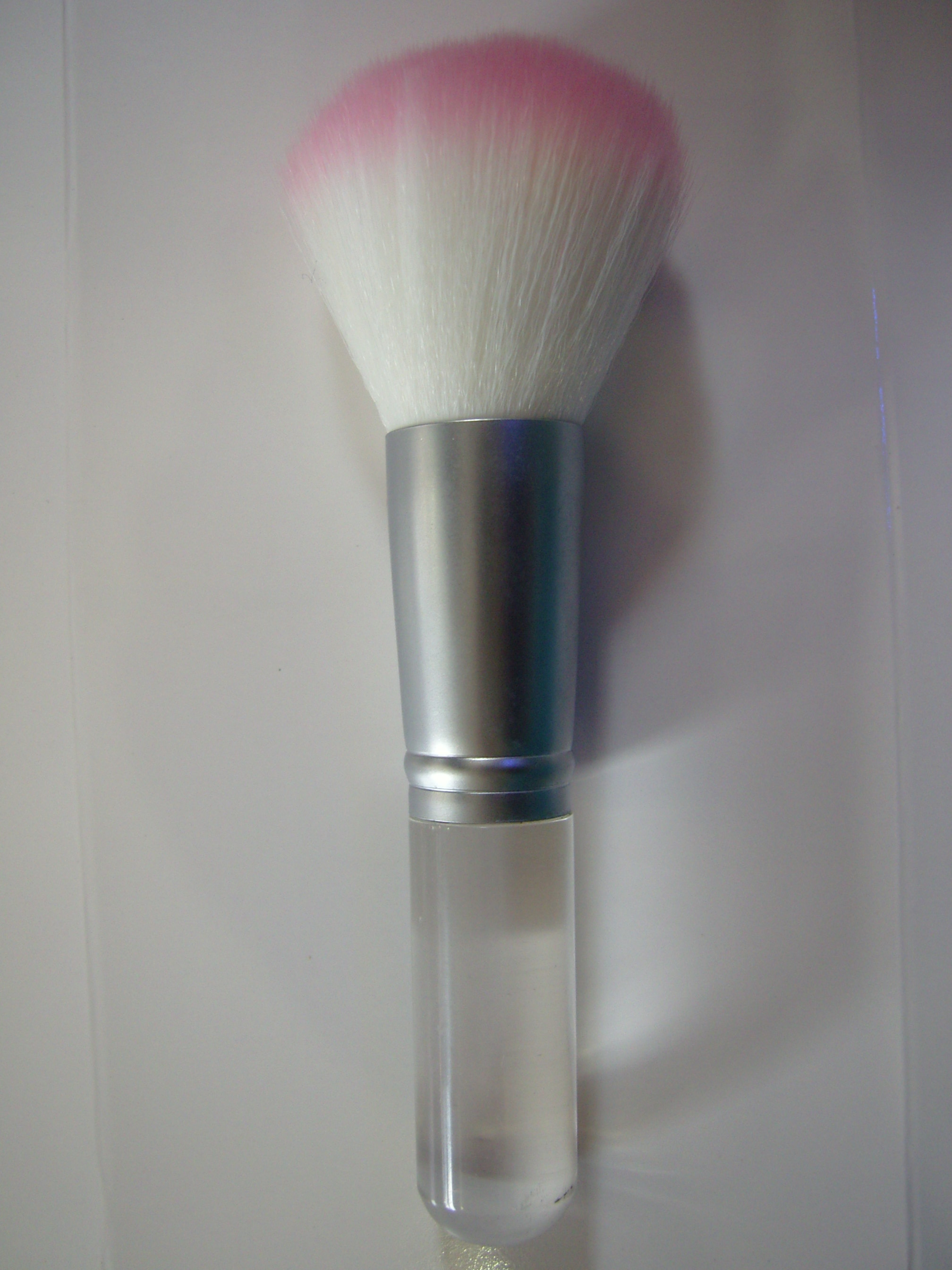 Brush White pink tipped