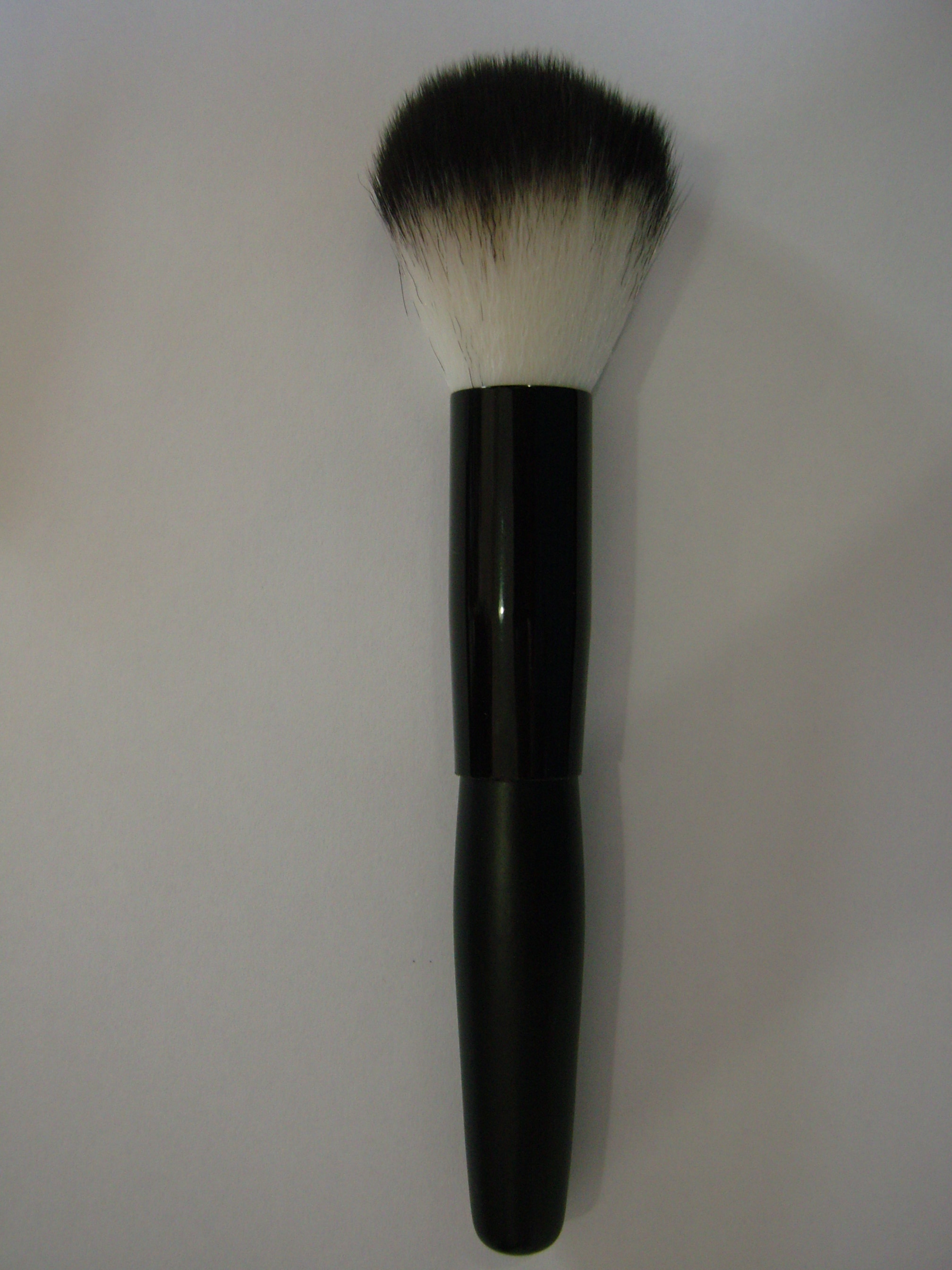 Brush white black tipped